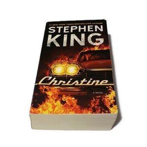 Stephen King-Christine paperback.